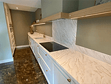 Witte keuken met carrara marmer